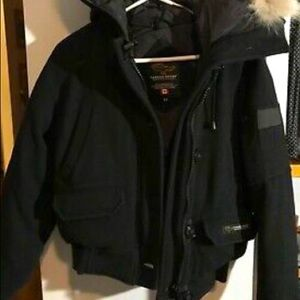 CANADA GOOSE SIZE S BOMBER